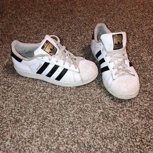 Adidas Women's Superstar shoes size 5